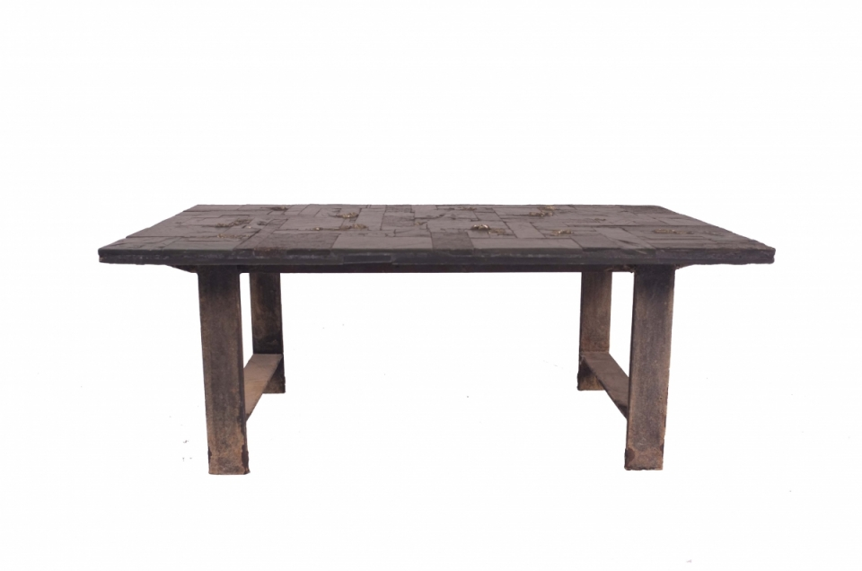 pia-manu-slate-table.jpg