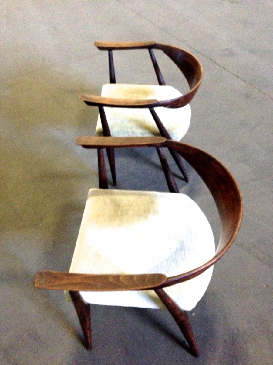 ico-parisi-easy-chairs.jpg