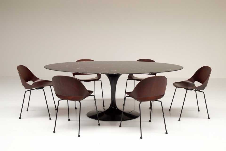 knoll-tulip-tabel-eero-saarinen-big-dining-table.jpg