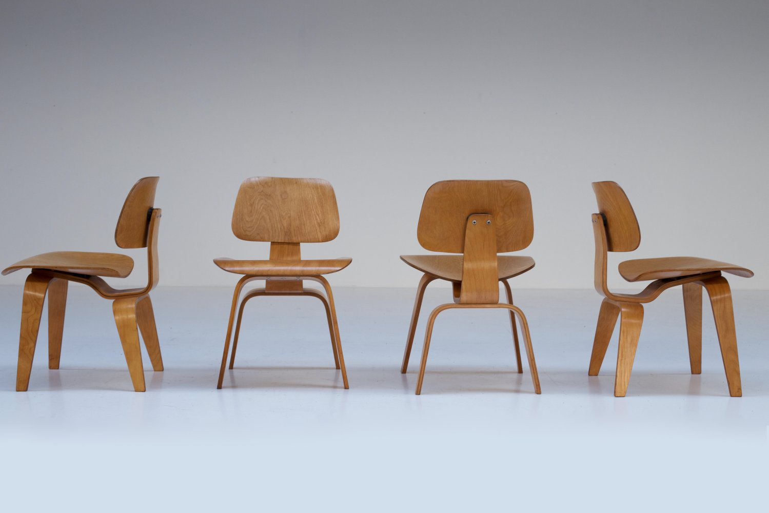 4 Eames DCW Evans Production