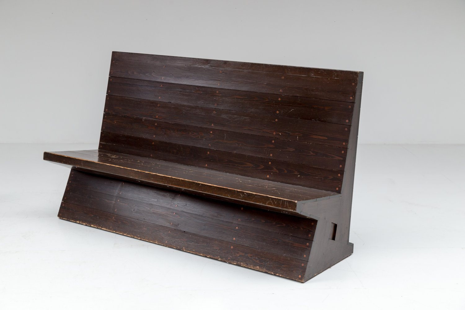 Low Bench, 1975, Dom Hans Van Der Laan.