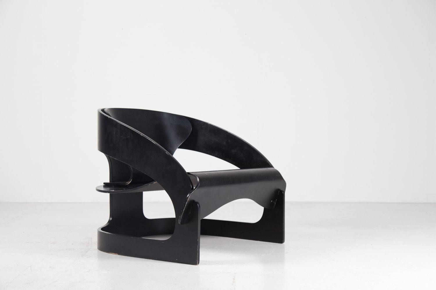 Joe colombo '4801' black plywood lounge chair