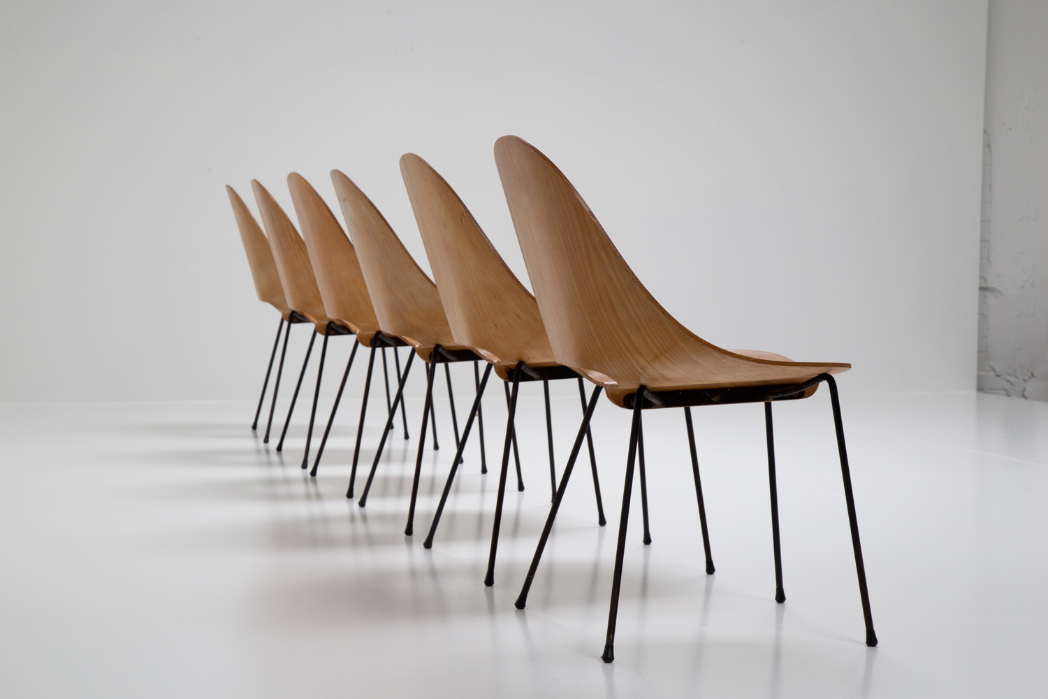 Beautiful set of 6 chairs by Carlo Ratti for Societa Compensati Curvati