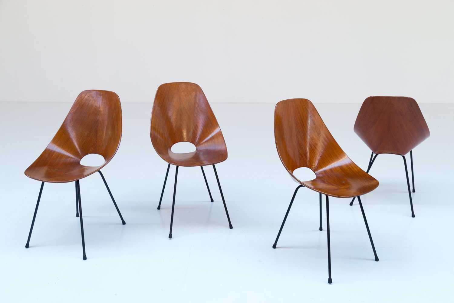 Set of 4 Medea chairs by Vittorio Nobili
