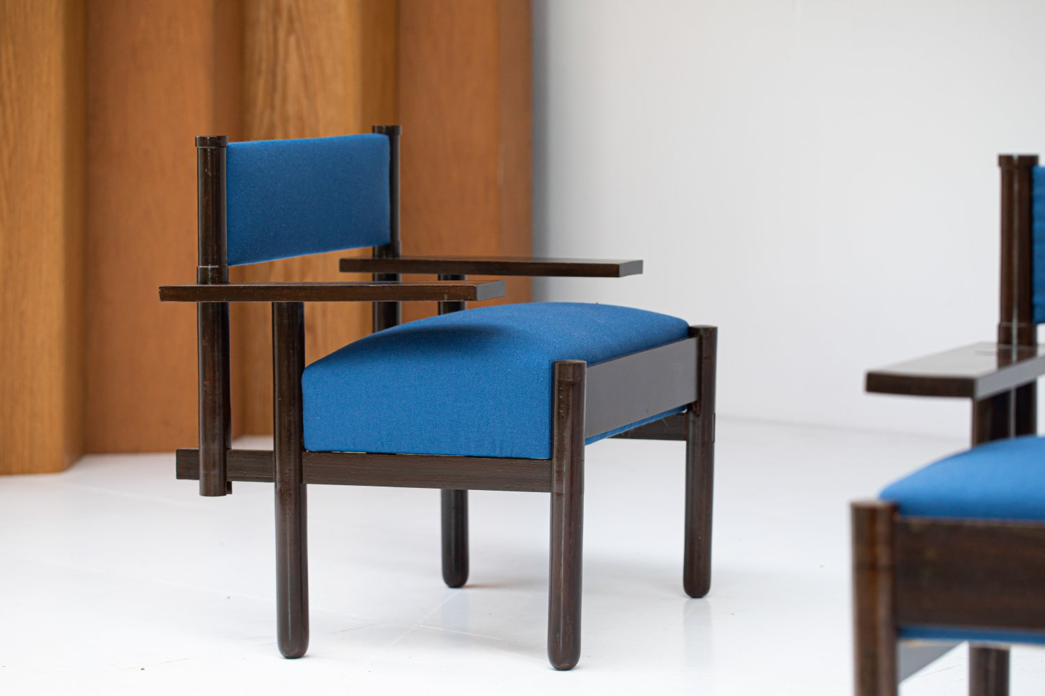 Pair of unknown chairs