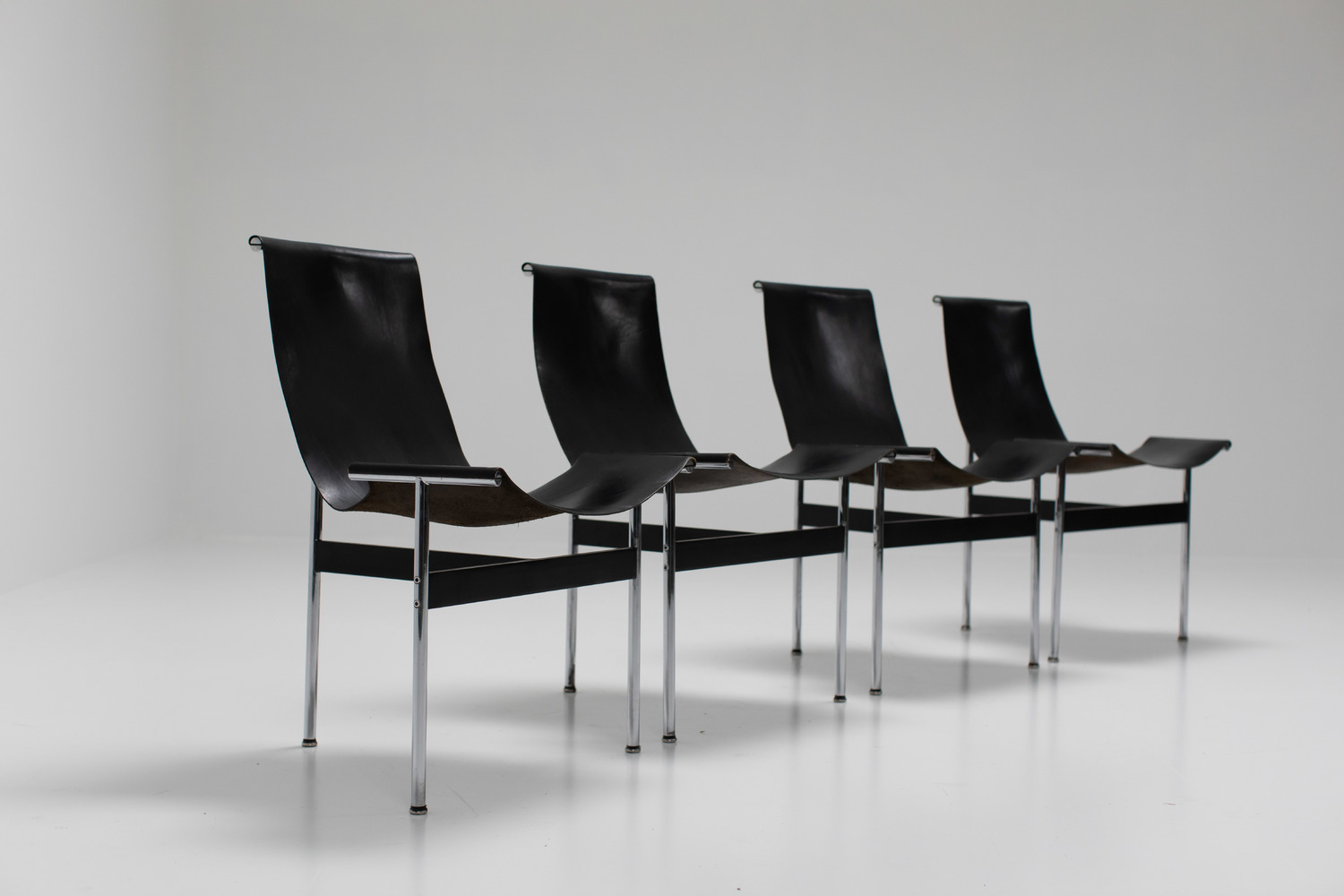 Set of 4 T-chairs by Katavolos and Laverne